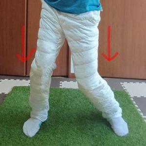 右股関節の内旋とヒザの動き