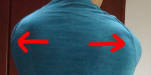 インパクトでは左右の肩甲骨を外転させる