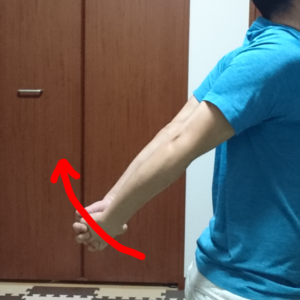 肩甲骨ストレッチ3