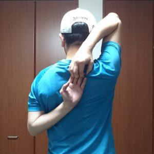 肩甲骨ストレッチ7